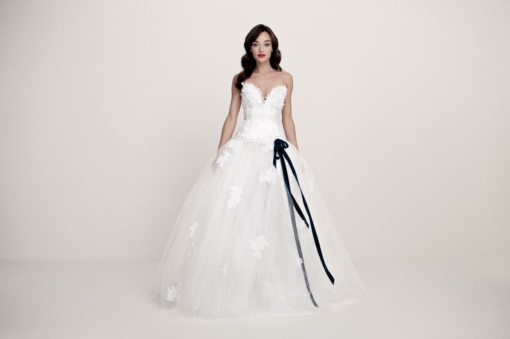 Daalarna Couture Wedding Dress _White Collection