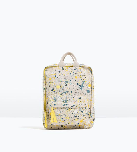Toller bunter Rucksack in Tintenflecken-Optik von ZARA Kids.