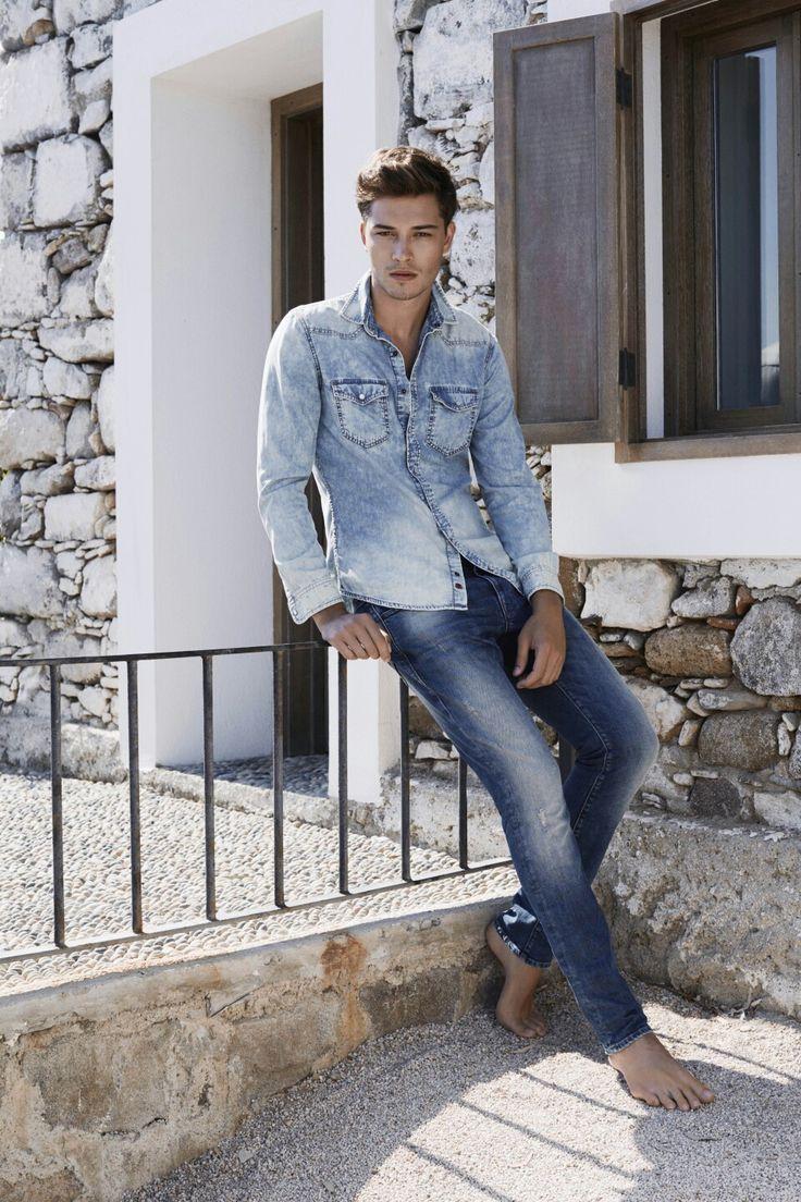 фото мужчин моделей в светлых джинсах работе применяем