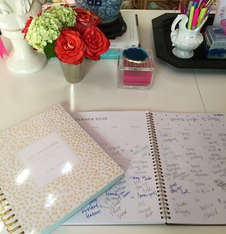 Secrets of an Organized Entrepreneur: Paige Minear of The Pink Clutch