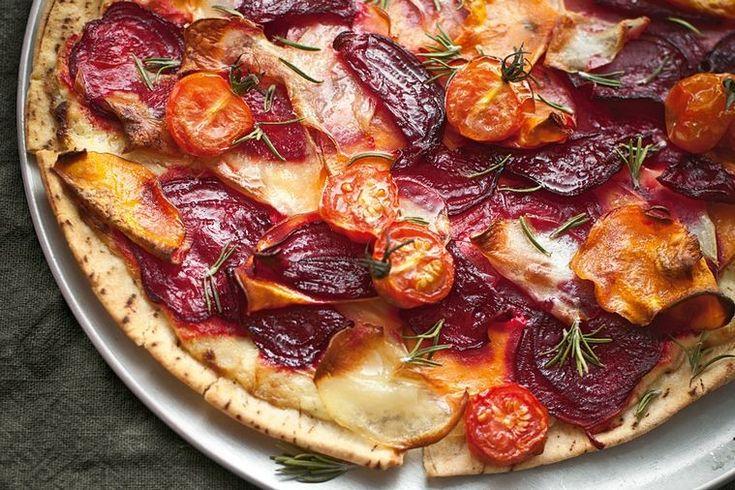 The cheesy, garlic-y base sauce doesn