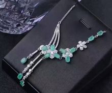 Natural verde esmeralda Collar de piedras preciosas naturales S925 Colgante de flores borla Joyería partido de las mujeres de moda de Lujo(China)