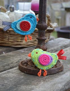 cute crochet birds, pattern on blog