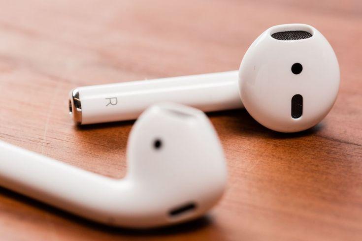 Un Homme Avale Son Airpod L Objet Fonctionne Encore Dans Son Estomac Ecouteur Ecouteur Sans Fil Produits Apple