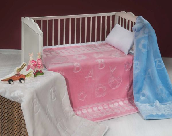 Dětská deka SENZE BABY v nabídce v růžové, modré či smetanové barvě Vás omámí díky měkkoučkému materiálu a hebce sametovému dotyku.