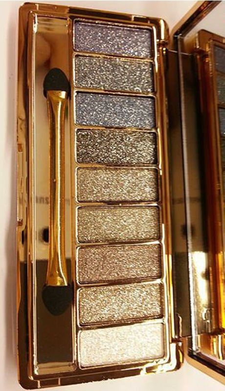 Build lustrous and exotic eye looks with this palette of nine totally gorgeous eyeshadows. This beautifully crafted palette is perfect for use during the day or for a night out. The highly pigmented e