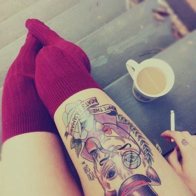 Кот с кофе и сигаретами
