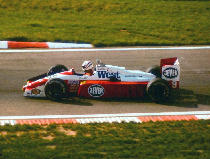 1987  Csaba Kesjár, West Zakspeed Racing,  Zakspeed 871, Zakspeed 1.5 L4T, Goodyear  Test, Hungaroring, Mogyoród, Hungria  This talented Hungarian driver was killed in an accident in F3 before reaching the F1