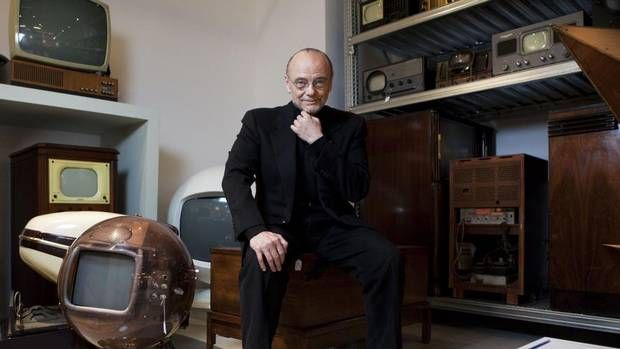 Media mogul Moses Znaimer in talks to buy Sun News Network From Quebecor  (Globe and Mail 10 December 2014)