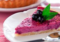 CAKE FILLED WITH CURRANTS AND RED WINE
