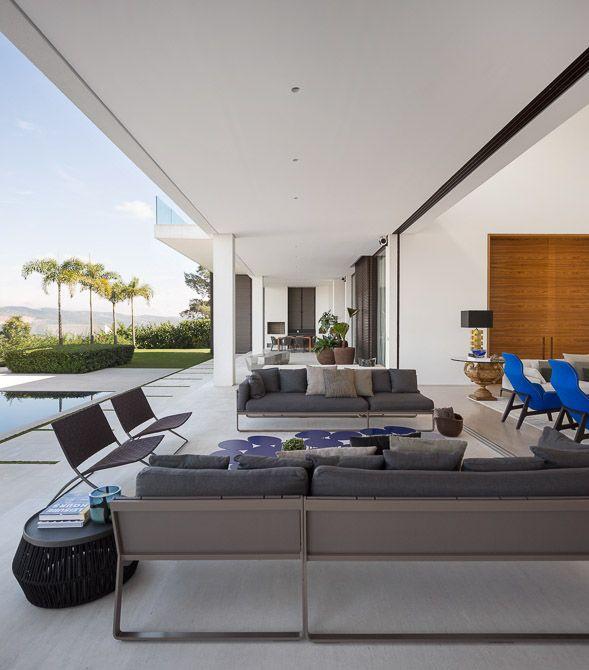 Residência Jaraguá - SP / Fernanda Marques #living #patio #view