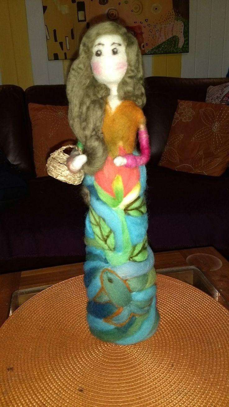 Muñceas en vellon agujado #hechoamano #vellonaschilhue, hecho por VELLONAS CHILHUE