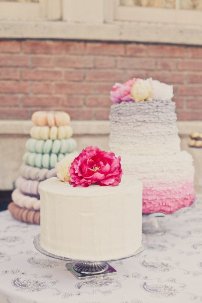 Ombre ruffle cakes