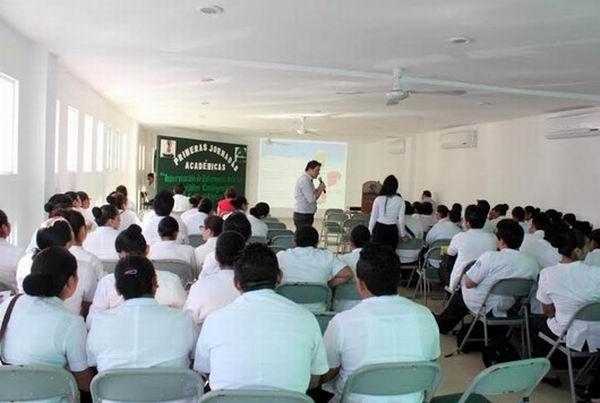 Realizan primeras jornadas académicas de la carrera de Auxiliar de Enfermería del Isstey