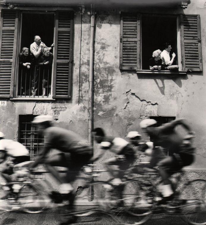 Stanislao Farri, Passa Il Giro, 1956, Fotografia italiana - IlPost