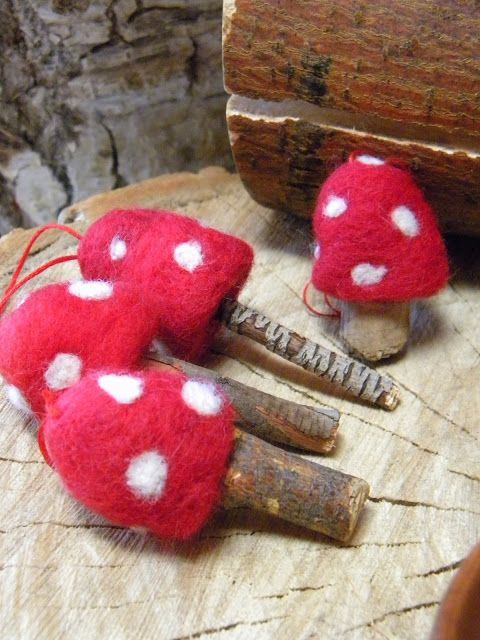 Chocolate Eyes: Toadstool Ornaments, Woodland Orna…