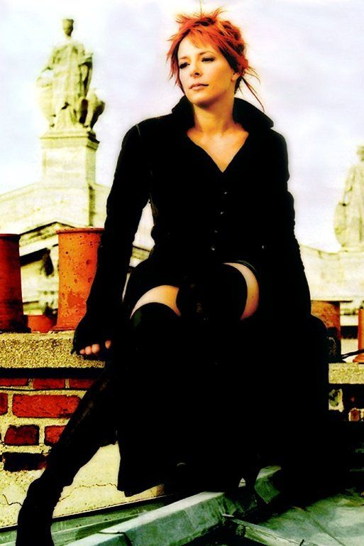 Mylène Farmer – Photographe Robin (2005)