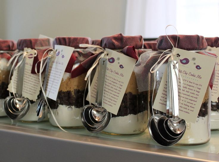 Mason Jar Cookie Mix | Weddings & Christmas DIY Craft Ideas | Put it in a Jar