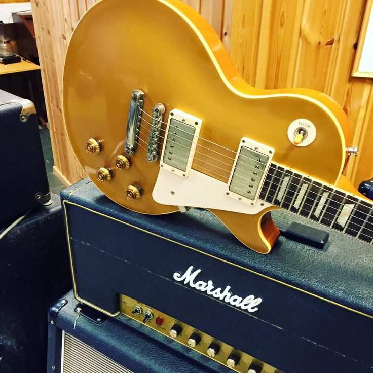 Gibson Les Paul and Marshall combo