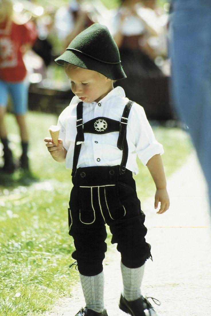 #Kniebundlederhose #Tracht #Bavaria