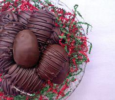 Σοκολατένια Αυγά με Φυστικοβούτυρο
