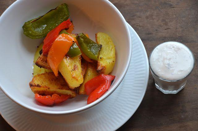 twin-food.dk bagte-kartofler-og-peberfrugter-med-feta-dip