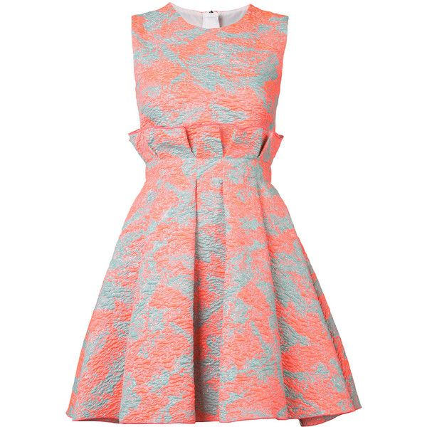 MSGM brocade dress (£565) ❤ liked on Polyvore featuring dresses, brocade dress, brocade cocktail dress, msgm dress, metallic brocade dress and red pattern dress