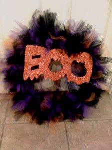 going to follow these super easy steps to make my first tulle wreath easy halloween