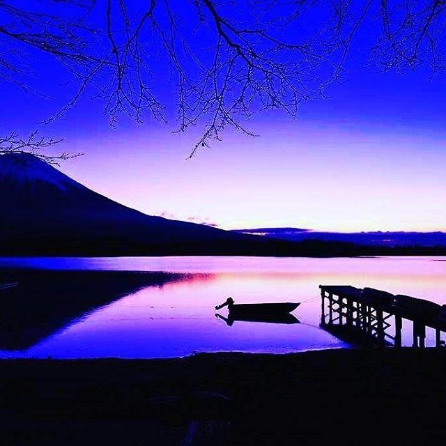 【taaakeshiiii】さんのInstagramをピンしています。 《おはようございます☆  人間が困難に立ち向かう時に恐怖を抱くのは、 信頼が欠如しているからだ。 私は自分を信じる ~ モハメド・アリ ~  自分を信じなければ、行動にうつせません。  人生、様々な困難が待ち構えています。 そして、それを一つずつ乗り越えて 人間は成長するもの。  自分を信じて、 道に自分のオリジナルのレールを敷き、 前に進みたいものです。 皆様にとって素敵な水曜日になりますように(^@^)/ * * 昨夜は友達とdinnerの後にうどんを😰 運動して帳消しにしないと😅 * * #おはよう #おはよう日本 #おはようモーニング #おはようございます #名言 #ポジティブ #勇気 #メンタル #夢 #ohayo #positive #goodmorning #goodmorninginsta #goodmornings  #goodmorningjapan #aloha  #insta #instamorning #mental #dream #ドリーム #希望  #海 #諦めない…