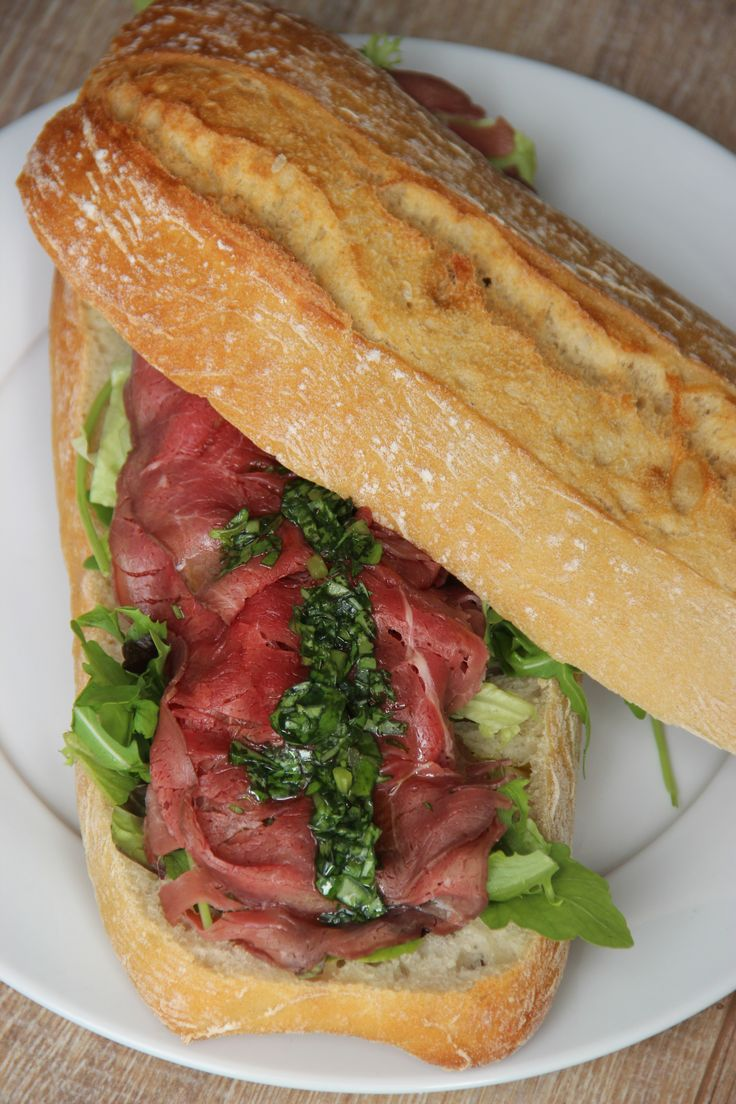 Bread (ciabatta) with roast beef and Basil oil - Ciabatta brood met rosbief en bassilicum olie