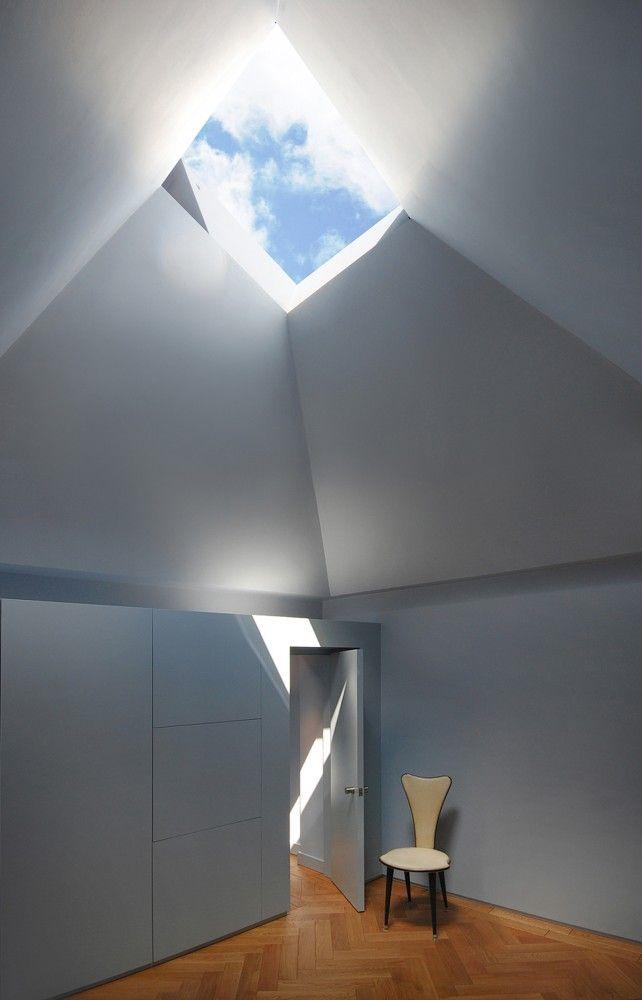 great skylight!  Hidden House / Teatum+Teatum