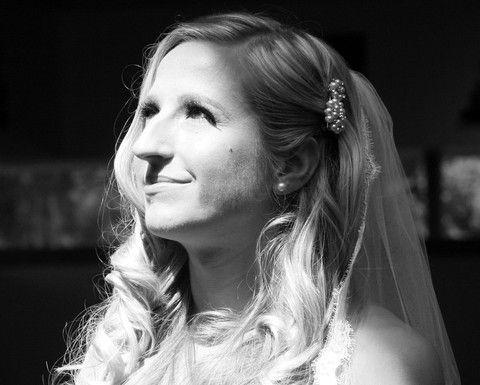 The Meredith Hair Clip modelled by real bride Kerri. http://goo.gl/rUpBjU