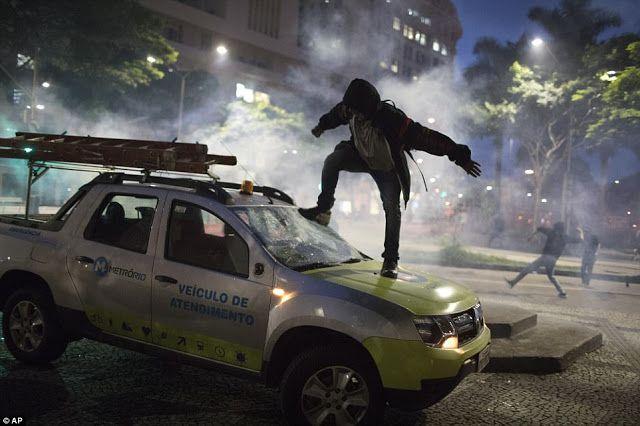 Πιερία: Έκρηξη βίας στη Βραζιλία κατά τη διάρκεια γενικής ...