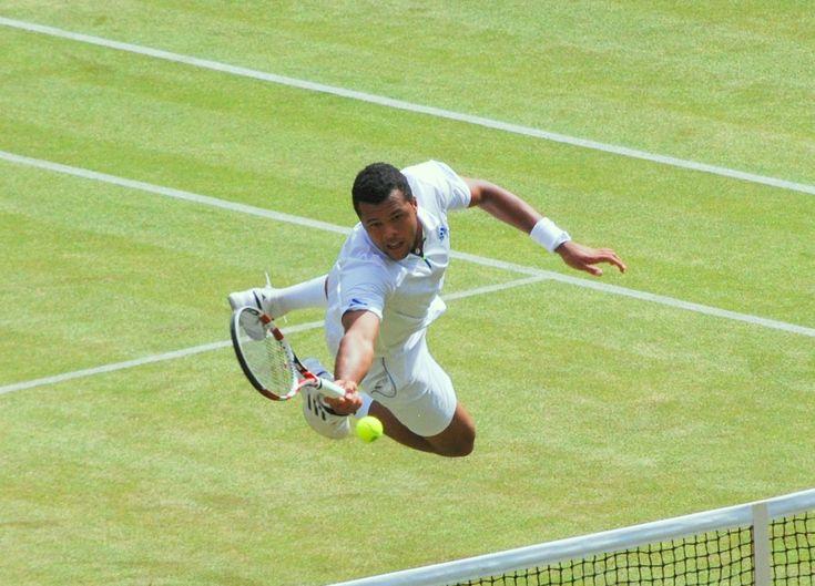 Jo-Wilfried Tsonga_Wimbledon_2011