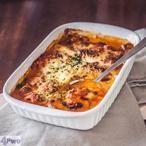 LASAGNE MET GEROOKTE KIP EN MASCARPONE Lasagne, die superlekkere Italiaanse ovenschotel, is er in veel varianten. Deze variant met gerookte kip en mascarpone tomaten saus is heerlijk romig en extra lekker door de gerookte kip.
