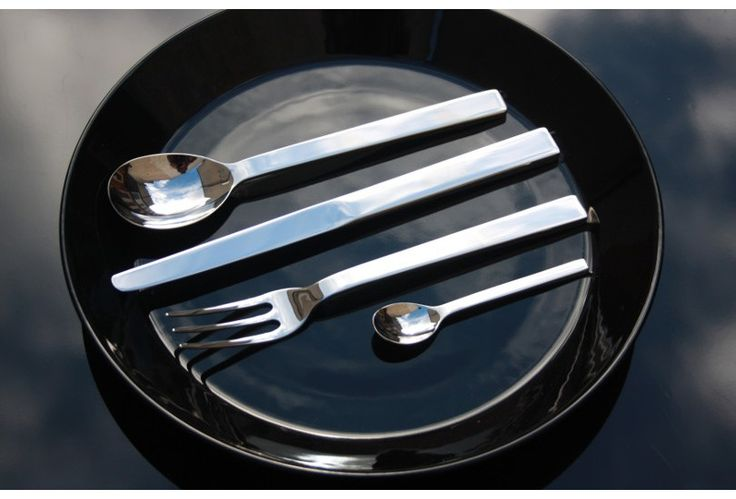 Alessi Santiago Cutlery  Santiago brings startling simplicity to the table. With Santiago, the Royal Gold Medal designer has created a contemporary cutlery set perfect for any table.