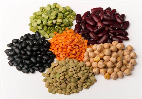 Haftada 2 -3 kez baklagilleri tüketin: Protein kaynağı olarak kuru fasulye, nohut, mercimek, barbunya gibi baklagilleri tüketmeye özen gösterin. #beslenme #saglik #sagliklibeslenme