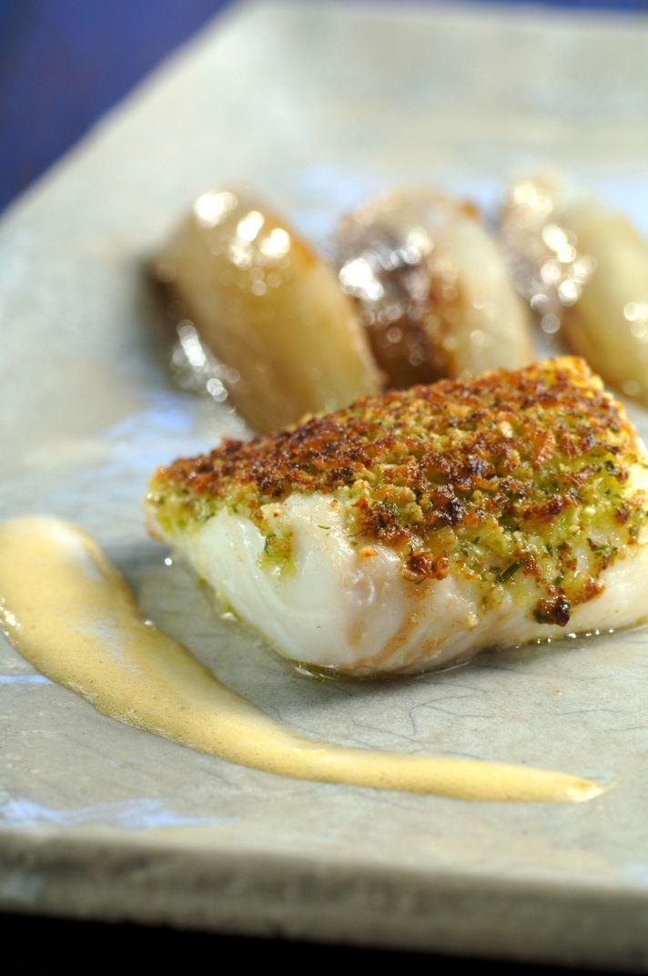 Recepten - Zachtgegaarde schelvis met korstje van amandelen