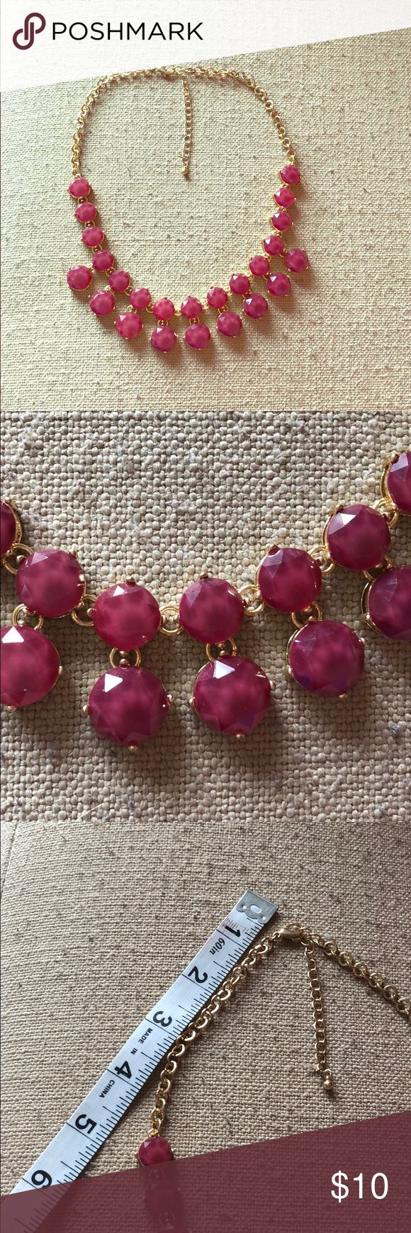 Purple Statement Necklace Sophisticated medium purple stoned statement necklace. Worn just a few times. Perfect pop of color 💟 Francesca's Collections Jewelry Necklaces