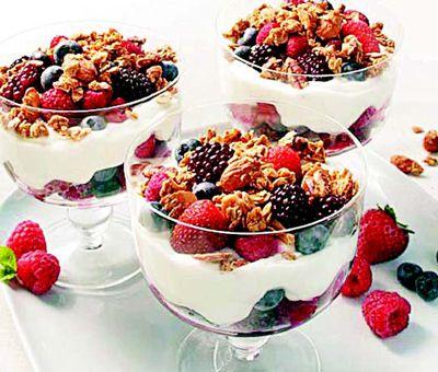 fruta picada con yogurt - Buscar con Google