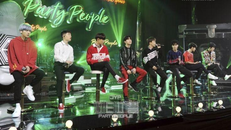 """EXO apareció en la transmisión del 1 de octubre de """"JYP's Party People"""" de SBS donde ofrecieron a la audiencia presentaciones especiales. Luego de conversar con Park Jin Young, los integrantes de EXO se pusieron de pie al lado de la barra mientras que Chanyeol se sentó con su guitarra. Los integrantes cantaron al ritmo …"""