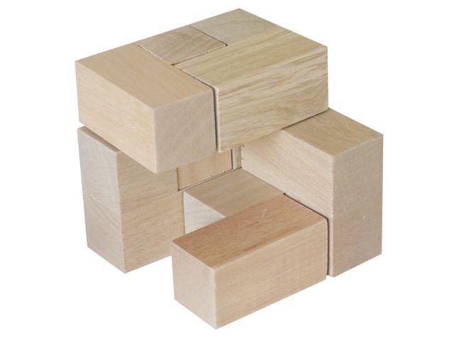 Cubos soma en madera. Edad +5  Ref 8- 11045