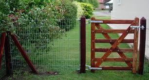 Resultado de imagen para puertas tranqueras madera