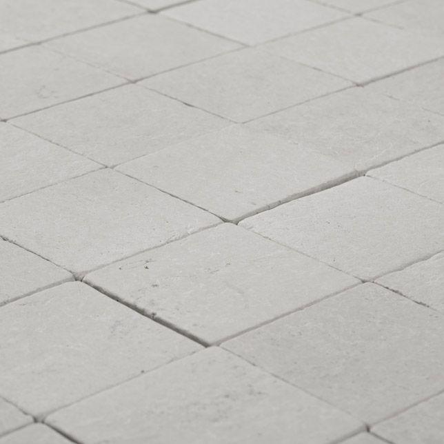 """Fliser bad og WC, Kalkstein/Limestone Tiles """"Square"""" som 30x30 cm fliser"""
