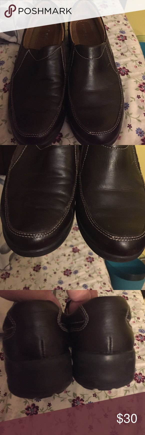 8.5pair of Naturalizer shoes, Like new. 🌺🌸Natural soul by Naturalizer, there are no signs of wear or tear on the shoe, there might be some minor wear due to the shoe being of genuine leather. I wore these to my office less than a handful of times. Make an offer! 🌸 🌺 Naturalizer Shoes
