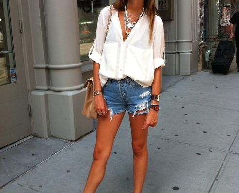 Oversized flowy white blouse and ripped jean shorts: Summer Looks, Summer Style, White Shirts, Summer Outfits, Casual Looks, White Blouses, Jeans Shorts, Denim Shorts, Summer Clothing