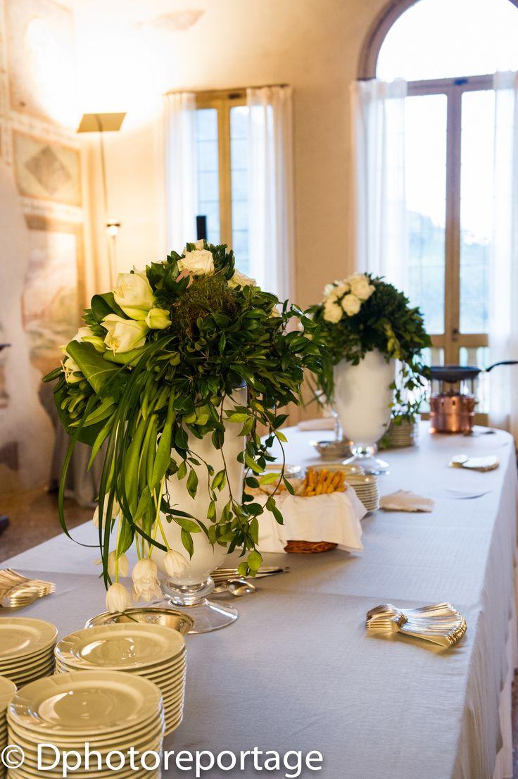 Un buffet ricco anche di fiori