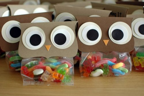 "cute owl favors with gummy worms in the ""bellies"""