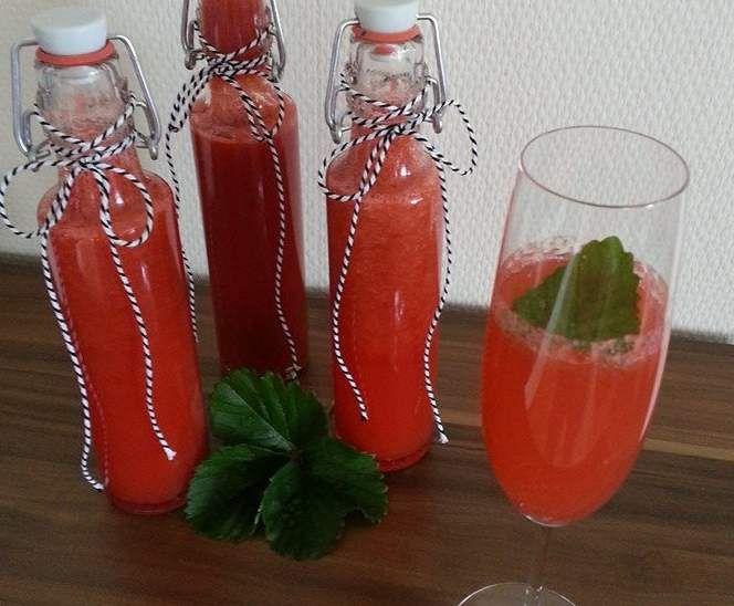 Erdbeer-Limes ... Rezept des Tages v. 04.02.2016 ... by Iris' LilaLauneKüche on www.rezeptwelt.de