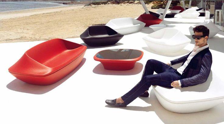 Оригинальный красный диван с подсветкой от испанской фабрики Vondom коллекция UFO